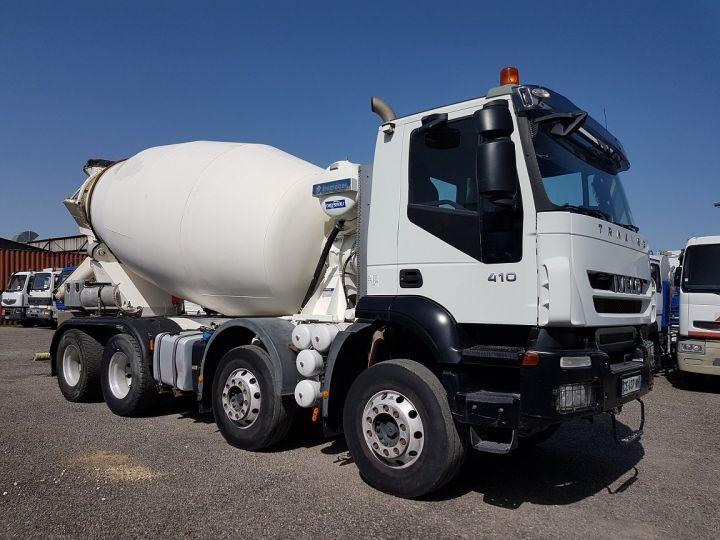 Trucks Iveco Trakker Truck mixer body 410 EEV 8x4 FRUMECAR 9m3 BLANC - 3