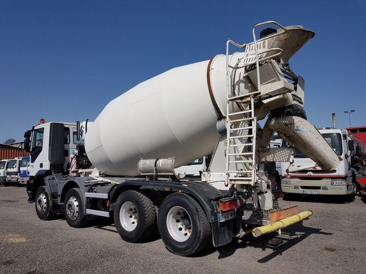 Trucks Iveco Trakker Truck mixer body 410 EEV 8x4 FRUMECAR 9m3 BLANC - 4
