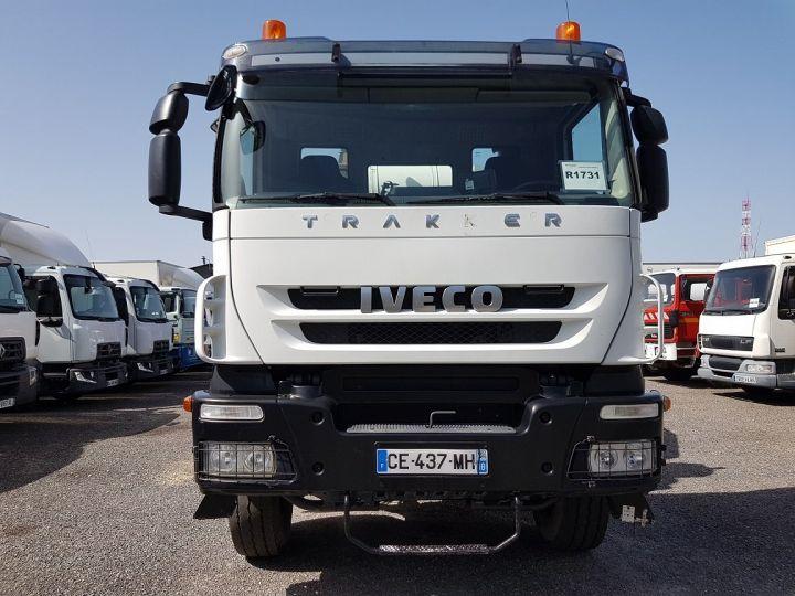Trucks Iveco Trakker Truck mixer body 410 EEV 8x4 FRUMECAR 9m3 BLANC - 5