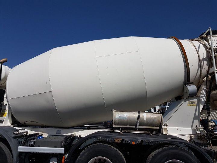 Trucks Iveco Trakker Truck mixer body 410 EEV 8x4 FRUMECAR 9m3 BLANC - 6