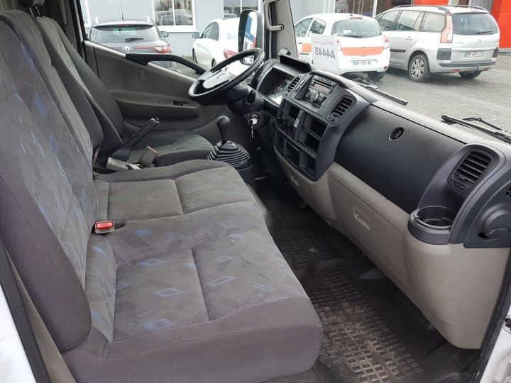 Utilitaire léger Renault Maxity Caisse Fourgon 140dxi.35 BRASSEUR BLANC Occasion - 14