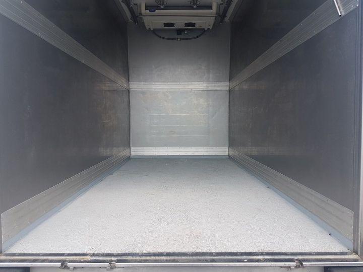 Utilitaire léger Renault Maxity Caisse frigorifique 150dxi.35 PORTE-VIANDE ROUGE et BLANC - 9