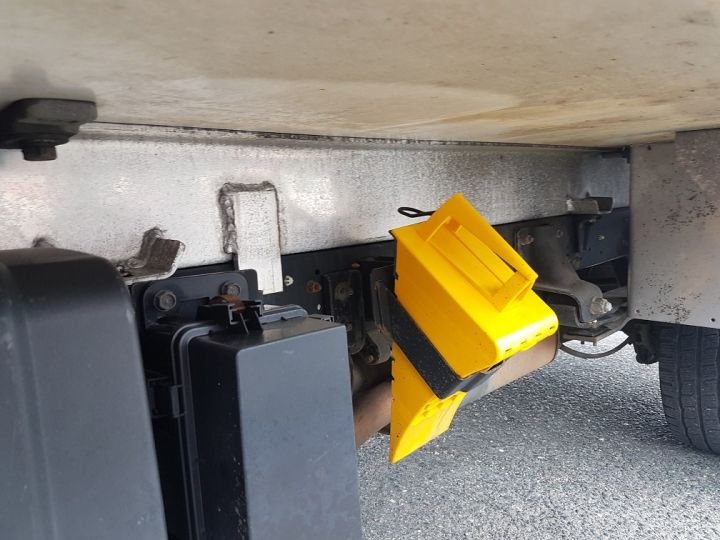 Utilitaire léger Renault Maxity Caisse frigorifique 150dxi.35 PORTE-VIANDE ROUGE et BLANC - 15