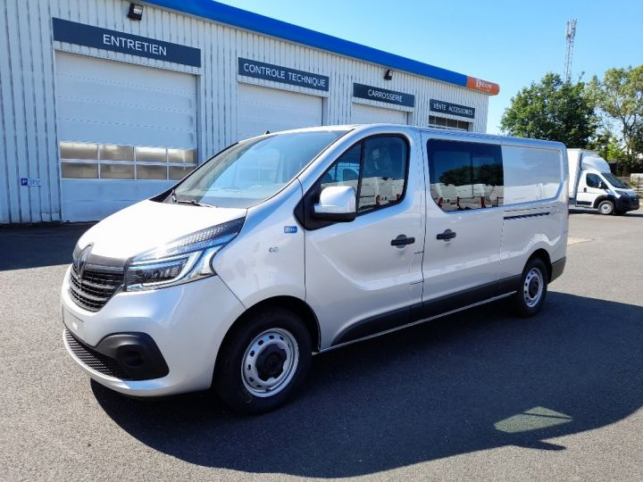 Utilitaire léger Renault Trafic Fourgon Double cabine L2H1 1200 2.0 DCI 145 CAB APPRO GRD CFT EDC6 GRIS CLAIR METAL - 1