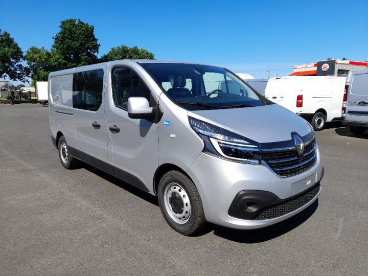 Utilitaire léger Renault Trafic Fourgon Double cabine L2H1 1200 2.0 DCI 145 CAB APPRO GRD CFT EDC6 GRIS CLAIR METAL - 2