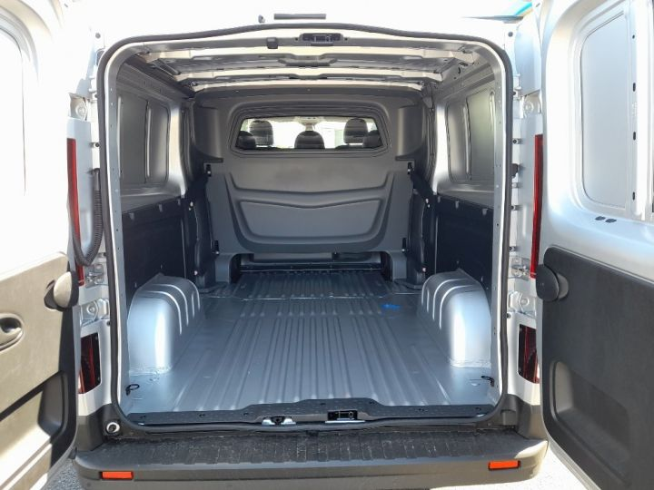Utilitaire léger Renault Trafic Fourgon Double cabine L2H1 1200 2.0 DCI 145 CAB APPRO GRD CFT EDC6 GRIS CLAIR METAL - 5