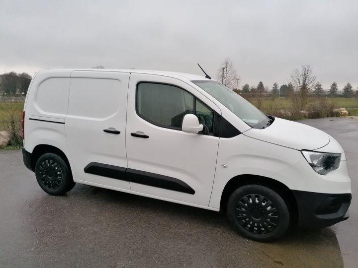 Utilitaire léger Opel Combo Fourgon tolé BLANC - 2