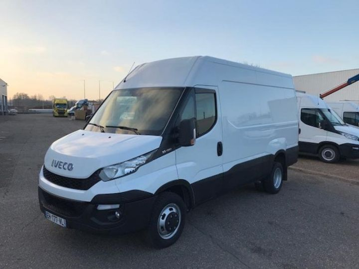 Utilitaire léger Iveco Daily 35C13V12 Blanc - 1
