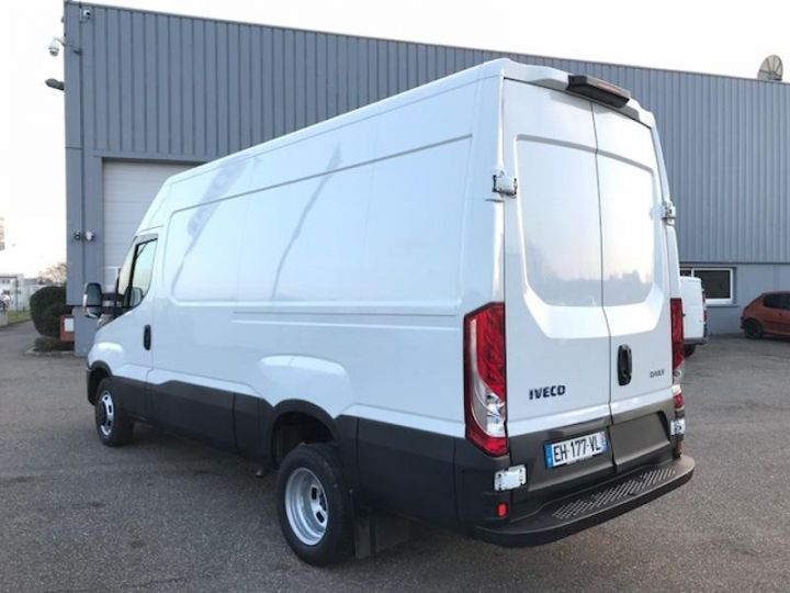 Utilitaire léger Iveco Daily 35C13V12 Blanc - 5