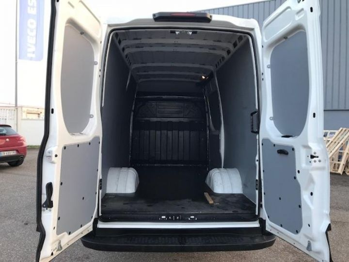 Utilitaire léger Iveco Daily 35C13V12 Blanc - 6