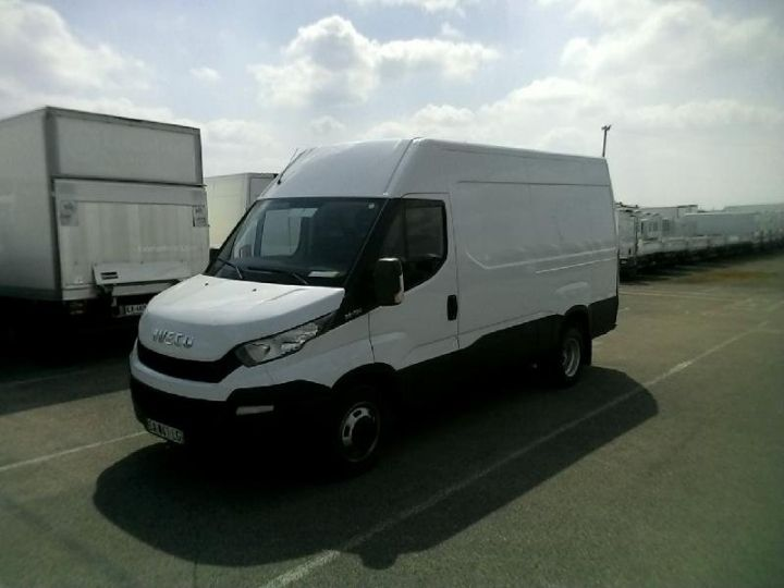 Utilitaire léger Iveco Daily 35C13V12 - 16 900 HT Blanc - 1
