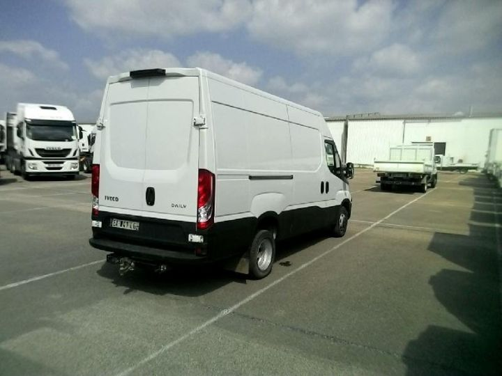 Utilitaire léger Iveco Daily 35C13V12 - 16 900 HT Blanc - 2