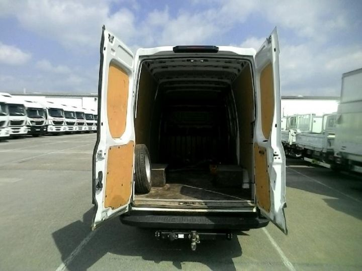 Utilitaire léger Iveco Daily 35C13V12 - 16 900 HT Blanc - 3