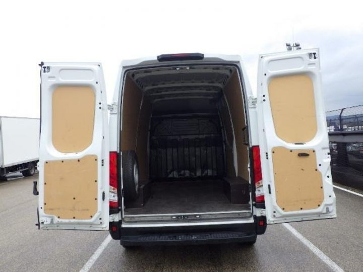 Utilitaire léger Iveco Daily 35S13V11 - 13 900 HT Blanc - 4