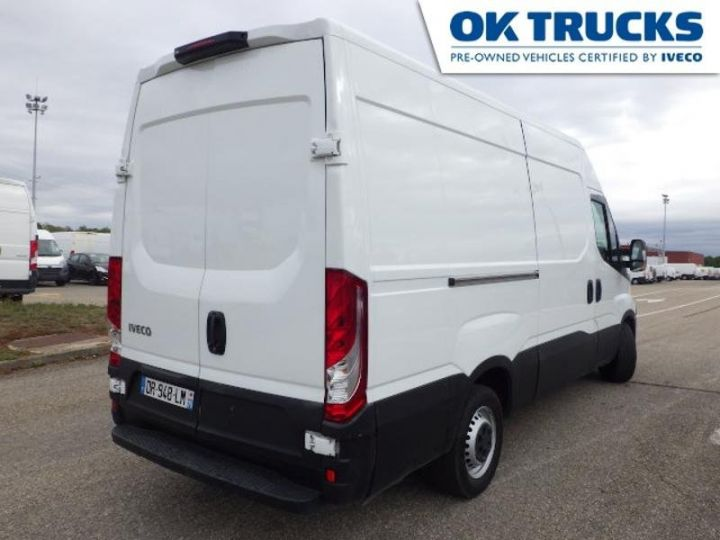 Utilitaire léger Iveco Daily 35S13V12 Blanc - 2
