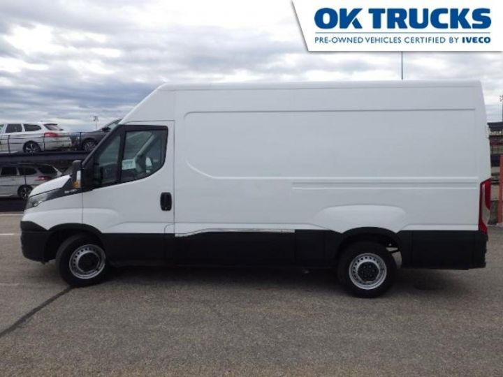 Utilitaire léger Iveco Daily 35S13V12 Blanc - 3