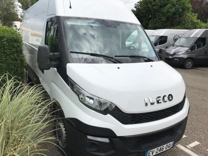 Utilitaire léger Iveco Daily 35S15/2.3V16 - 18 500 HT Blanc - 2