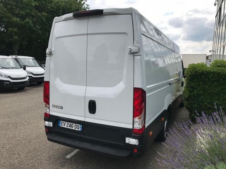 Utilitaire léger Iveco Daily 35S15/2.3V16 - 18 500 HT Blanc - 4