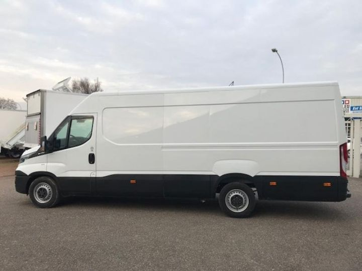 Utilitaire léger Iveco Daily 35S17V16 - 22500 HT Blanc - 4
