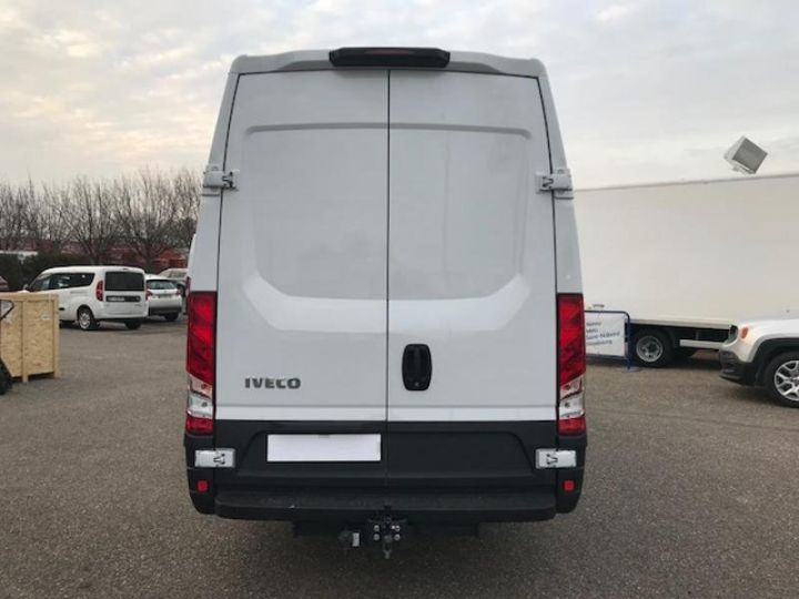 Utilitaire léger Iveco Daily 35S17V16 - 22500 HT Blanc - 6