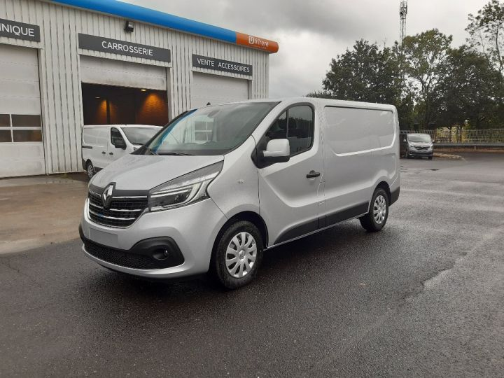 Utilitaire léger Renault Trafic ENERGY GRAND CONFORT GRIS PLATINE - 1