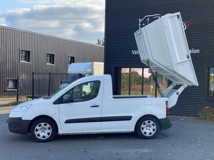 Utilitaires divers Peugeot Partner B.O.M 100 CV BENE A BEC ESSENCE BLANC - 10