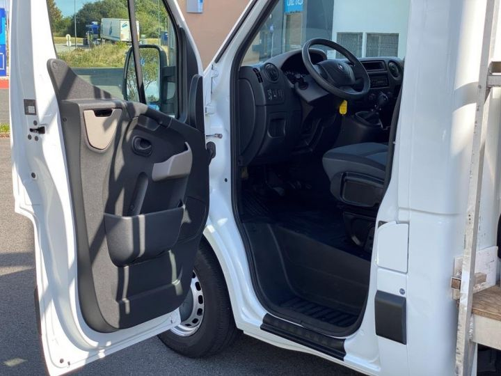 Utilitaires divers Renault Master Chassis cabine 125 CV PORTE VERRE COFFRE BLANC - 7