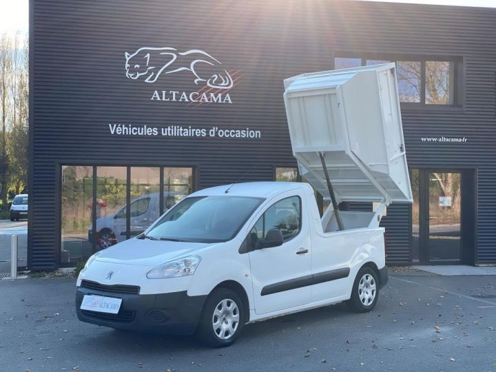 Varias utilidades Peugeot Partner Recolector compactador 100 CV BENE A BEC ESSENCE BLANC - 1