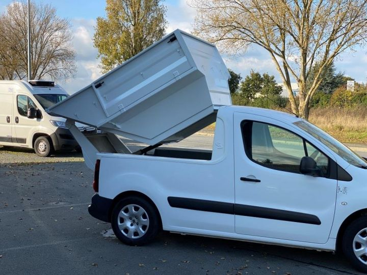 Various utilities Peugeot Partner Refuse collector body 100 CV BENE A BEC ESSENCE BLANC - 8