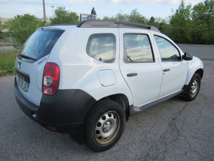 Vehiculo comercial Dacia Duster 4 x 4 DCI 110 4X4 SOCIETE 2 PLACES  - 4