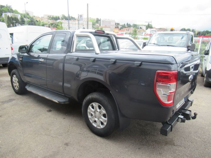 Vehiculo comercial Ford Ranger 4 x 4   2.2 TDCI 160 XLT SPORT  - 3