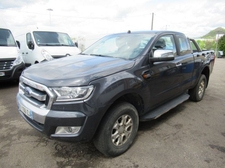 Vehiculo comercial Ford Ranger 4 x 4 SPACE CAB XLT SPORT TDCI 160  - 2