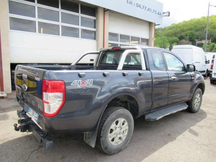 Vehiculo comercial Ford Ranger 4 x 4 SPACE CAB XLT SPORT TDCI 160  - 4