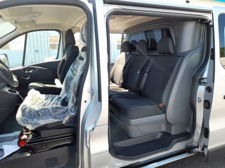 Vehiculo comercial Renault Trafic Furgón cabina doble L2H1 1200 2.0 DCI 145 CAB APPRO GRD CFT EDC6 GRIS CLAIR METAL - 6