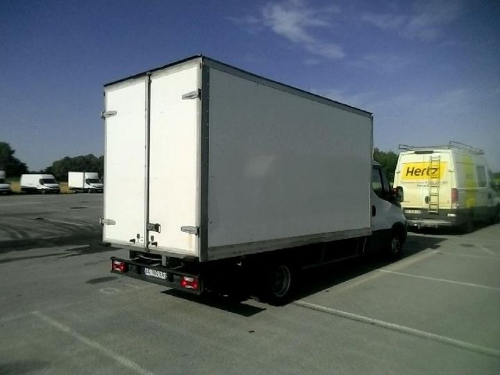 Vehiculo comercial Iveco Daily 35C15 Empattement 4100 Tor - 22 900 HT Blanc - 2