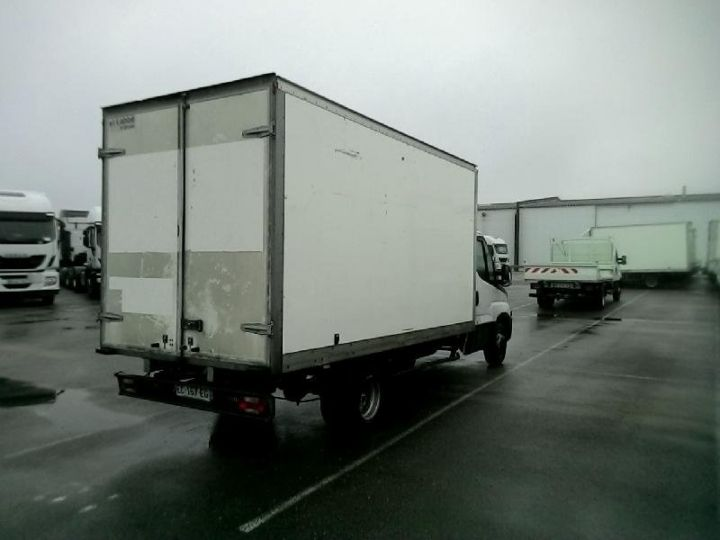 Vehiculo comercial Iveco Daily 35C15 Empattement 4100 Tor - 23 900 HT Blanc - 2