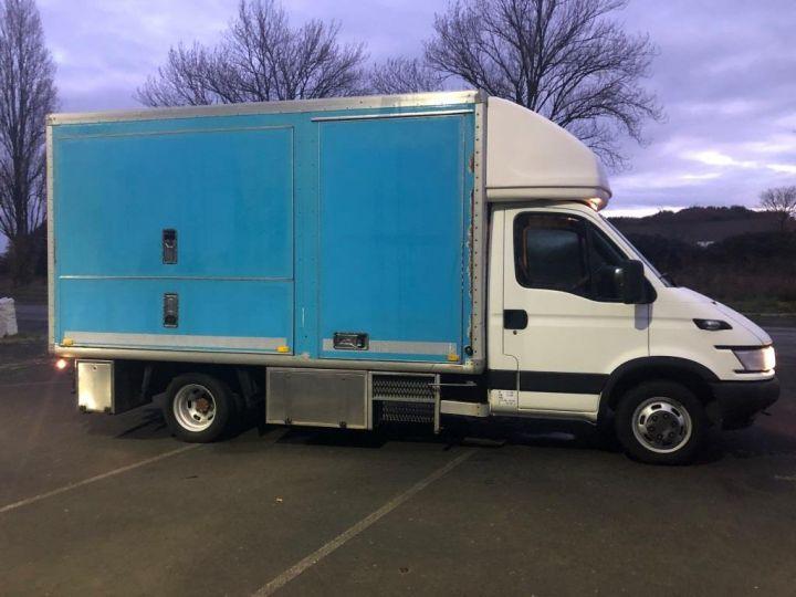 Vehiculo comercial Iveco Daily Otro EVENEMENTIEL CAR PODIUM BUREAU MOBILE BLEU - 5