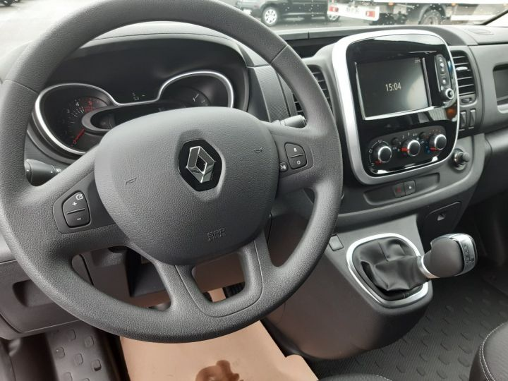 Vehiculo comercial Renault Trafic ENERGY GRAND CONFORT GRIS PLATINE - 5