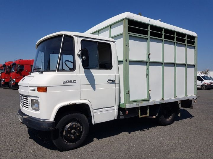 Vehiculo comercial Mercedes Vario Transporte de ganado L 406 D BLANC - GRIS - 1