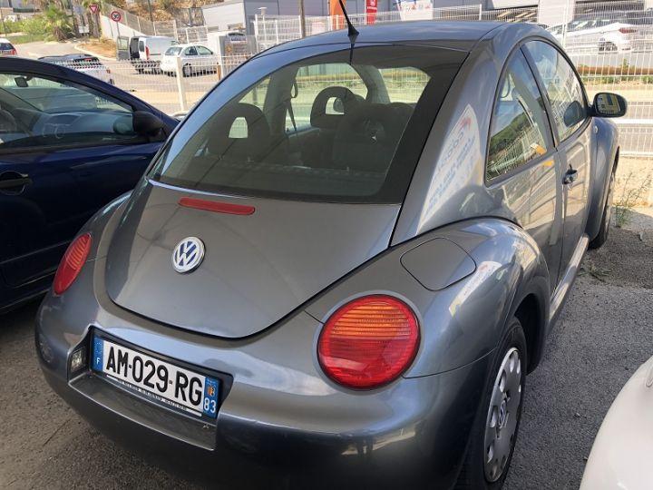 Volkswagen Beetle 1.6 102CH Gris F - 3
