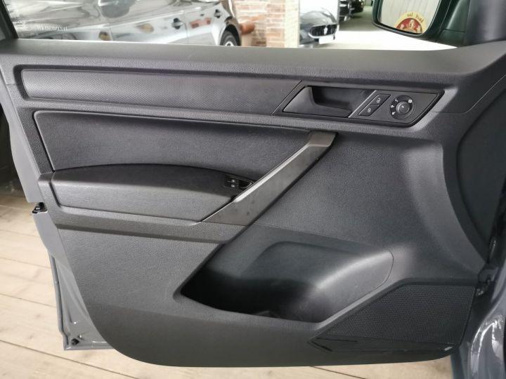 Volkswagen Caddy MAXI VAN 1.4 TSI 125 CV BV6 Gris - 5