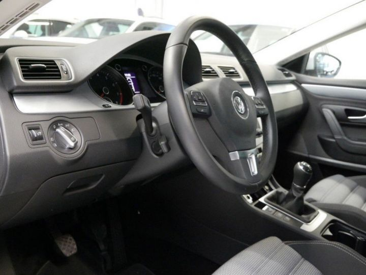 Volkswagen CC 1.4 TSI 150 ess 10/2016 gris métal - 14