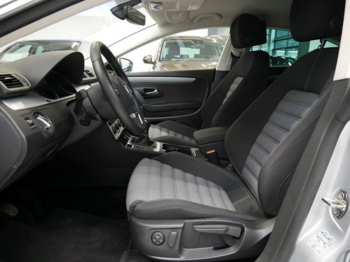 Volkswagen CC 1.4 TSI 150 ess 10/2016 gris métal - 17