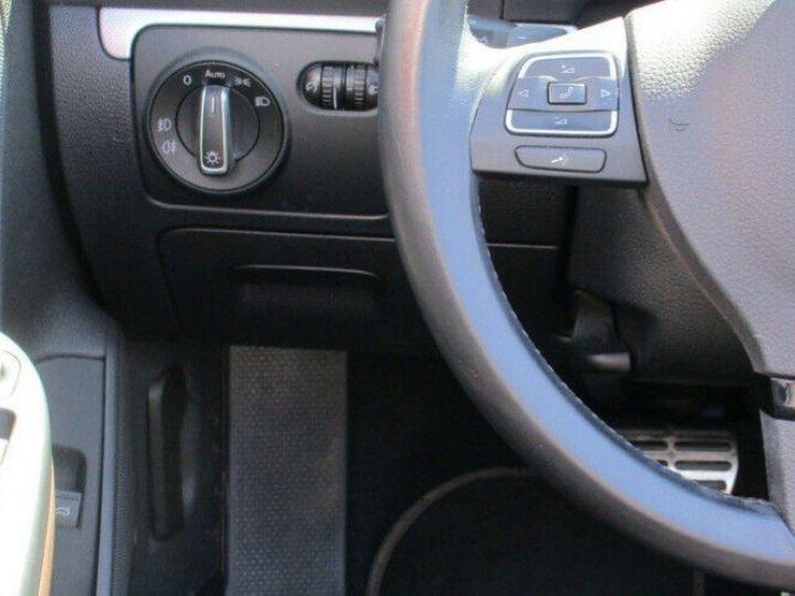 Volkswagen EOS 2.0 TSI 210  DSG6 EXCLUSIVE(01/2011) noir métal - 18