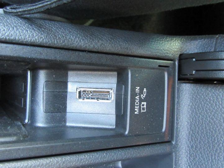 Volkswagen Golf 1.4 80CH TEAM 5P NOIR Occasion - 17