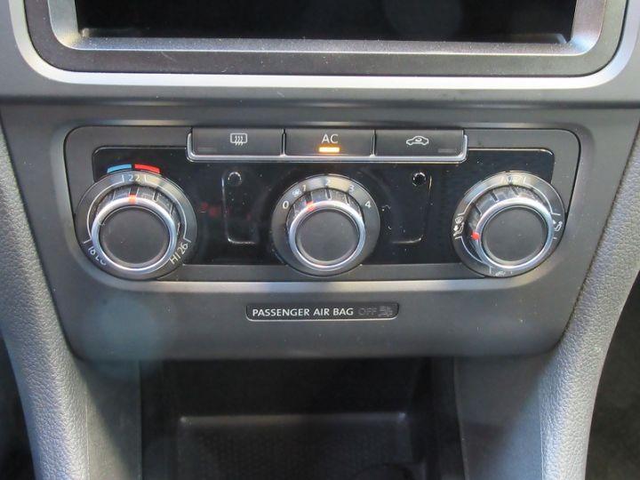 Volkswagen Golf 1.4 80CH TRENDLINE 5P ROUGE Occasion - 11