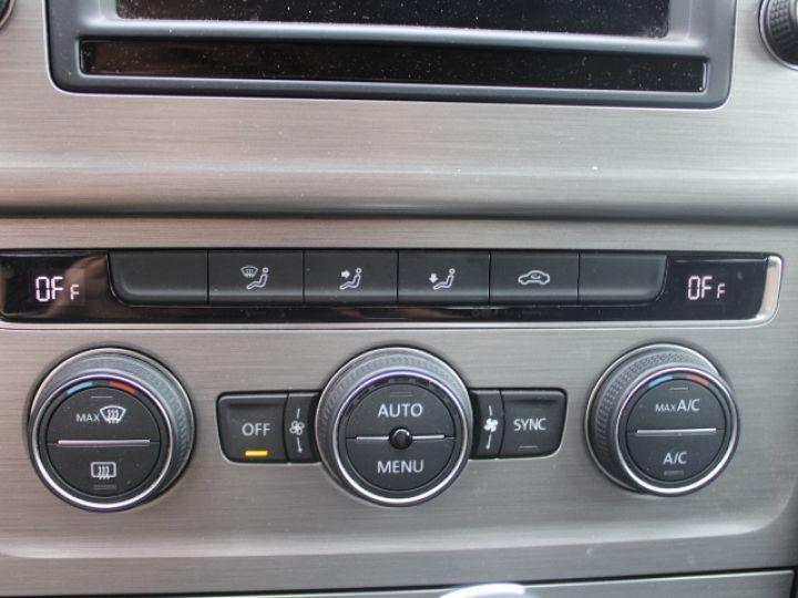 Volkswagen Golf 2.0 TDI 150 BLUEMOTION TECHNOLOGY DSG6 Confortline Gris - 24