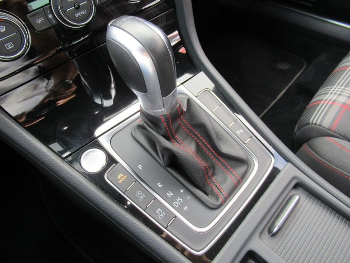 Volkswagen Golf 2.0 TSI 230CH BLUEMOTION TECHNOLOGY PERFORMANCE DSG6 5P Noir - 12