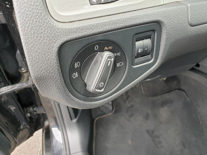 Volkswagen Golf 7 1.6 tdi 110 confortline busineso Noir Occasion - 13