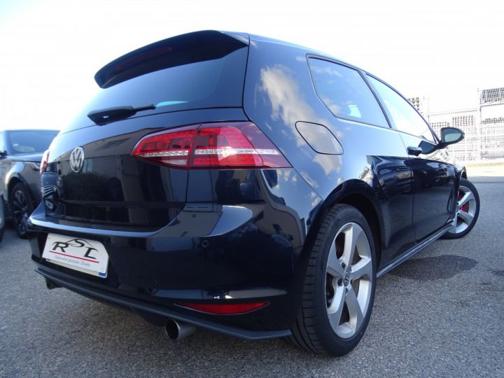 Volkswagen Golf 7 2.0 TSI 220 BLUEMOTION TECHNOLOGY GTI 3P/ FULL Options noir metallisé - 9